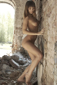 Model Alina in Naked in the ruins