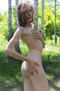 Model Anna R in Thirst For Nudism