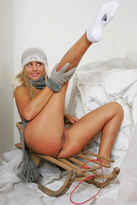 Model Lory in Sleigh rider